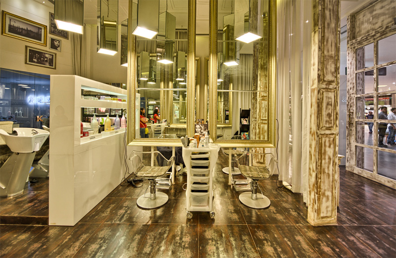 How-To-Win-Over-Clients-And-Keep-Them-Coming-Back-to-the-Salon